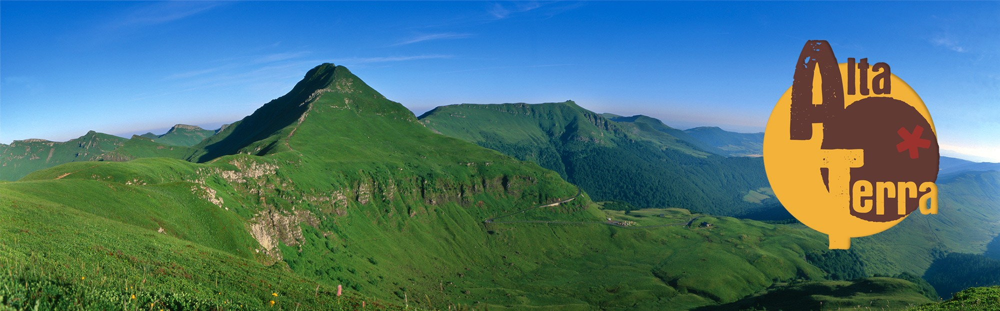 Le Puy Mary au coeur du massif cantalien. Photo ©Gilles Chabrier