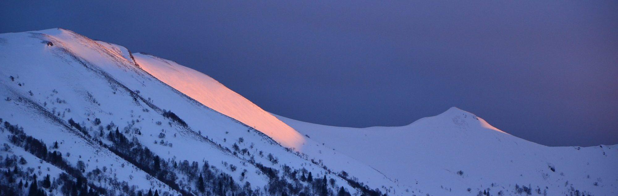 Incroyable coucher de soleil sur les crêtes. Photo ©Alta Terra