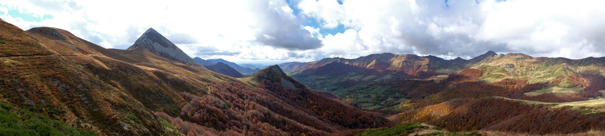 L'automne sur les crêtes du Cantal. Photo ©P.Leroy