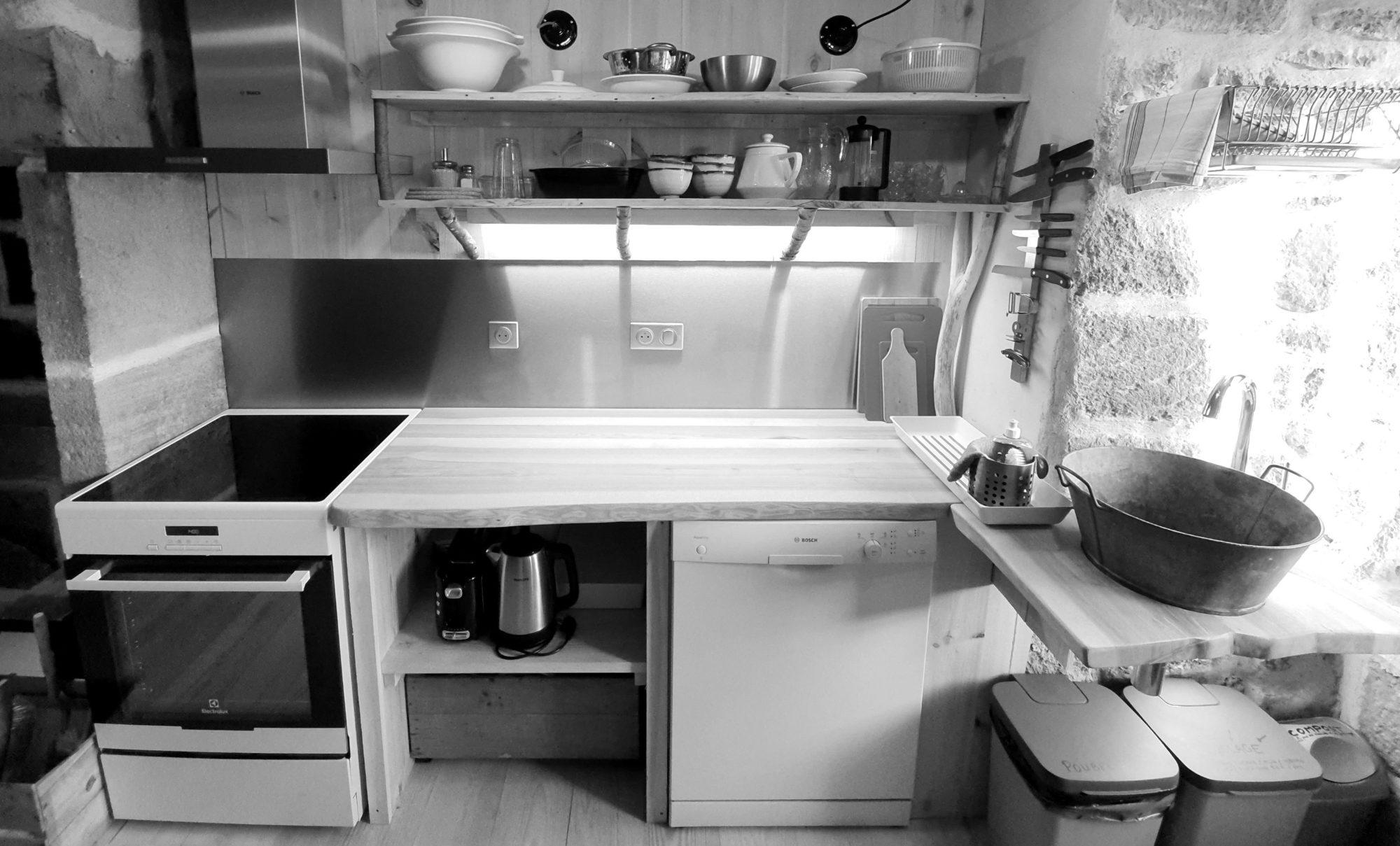 La cuisine du Refuge d'Alta Terra. Photo ©Alta Terra