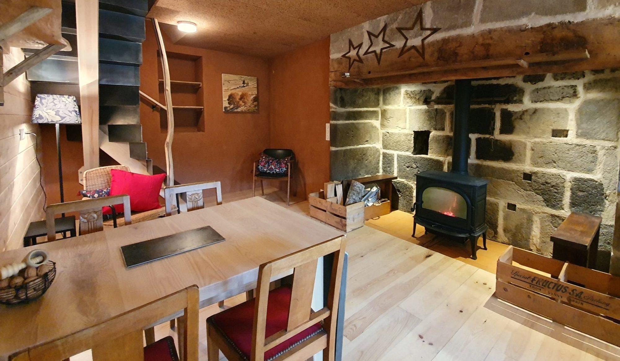 La pièce à vivre du Refuge. Photo ©Alta Terra
