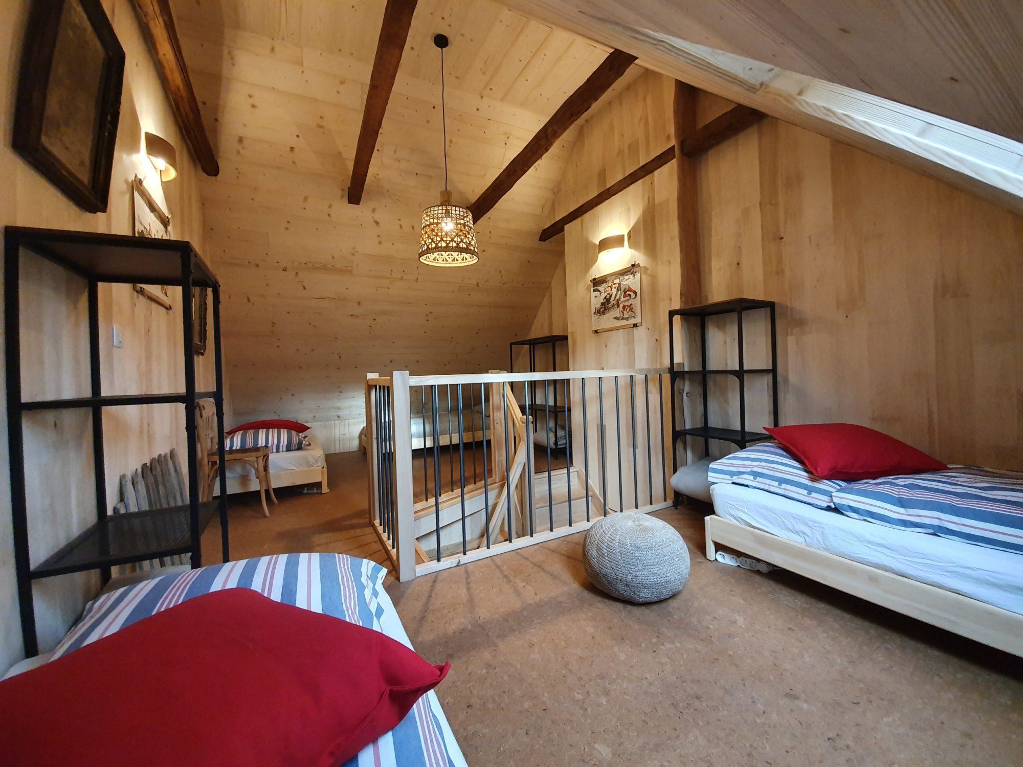 La grande chambre du Refuge. Photo ©Alta Terra