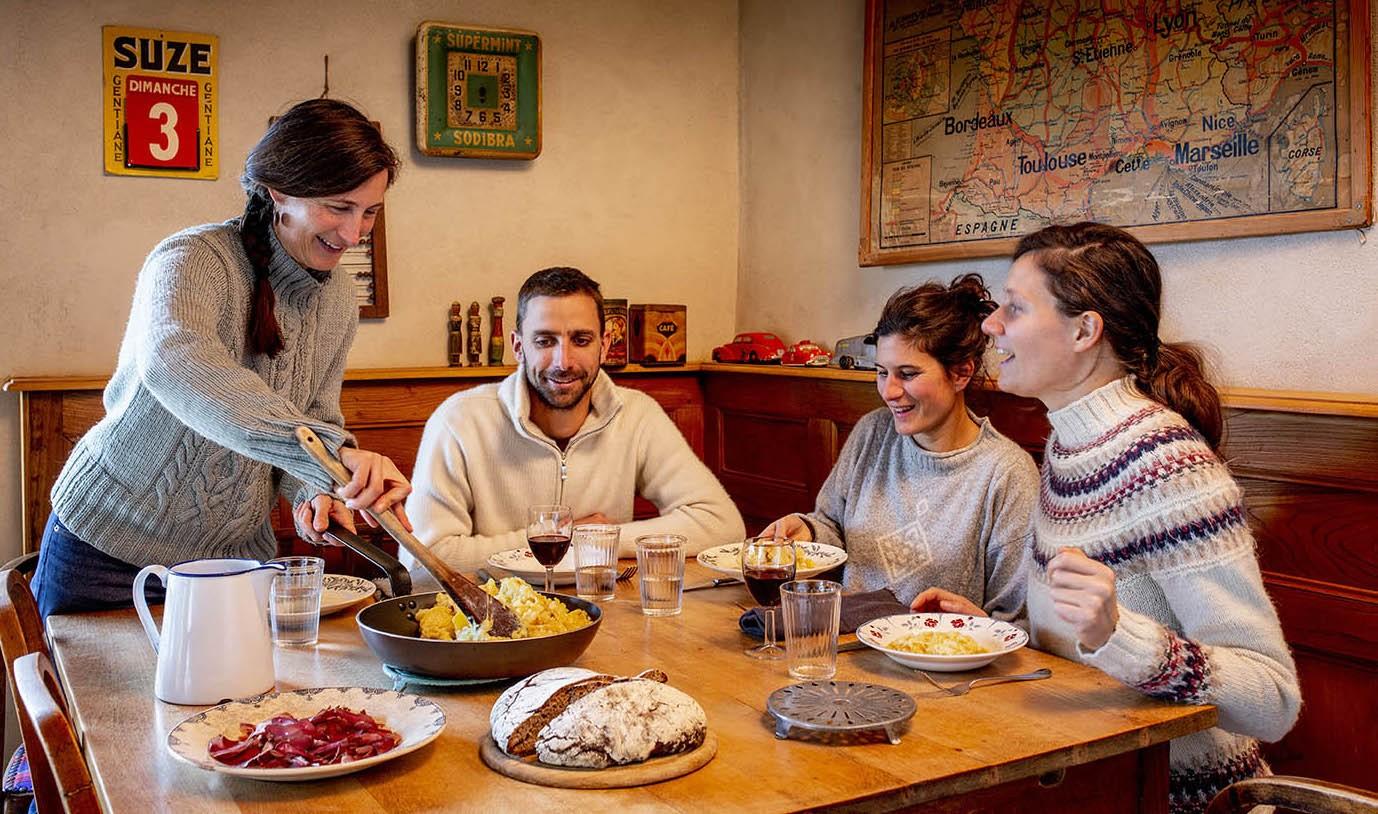 Moments de convivialité et de découvertes culinaires. Photo ©Pierre Soissons