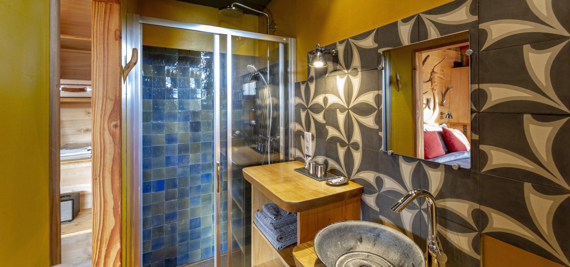 La salle de bain de la cabane. Photos ©Pierre Soissons